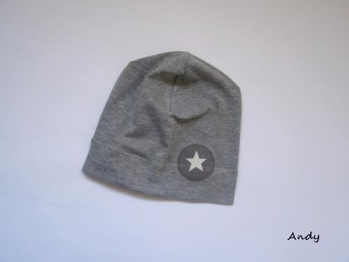 čepice SLABŠÍ - šedý melír, aplikace hvězdička