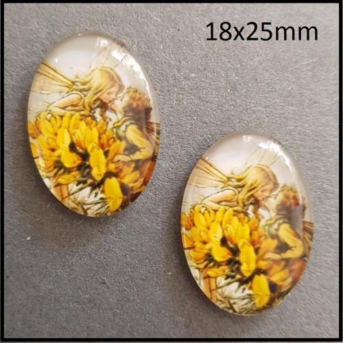 2956_C skleněný kabošon víla 25x18 mm