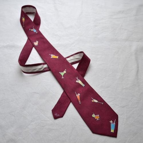 Vínová koktejlová kravata