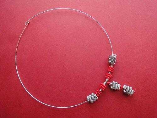 Šípkový náhrdelník