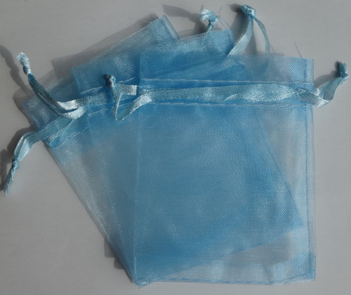 Blankytně modrý organzový pytlíček (7x9)