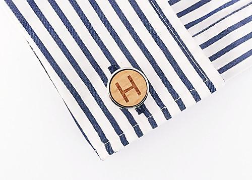 Dřevěný manžetový knoflíček Písmeno H