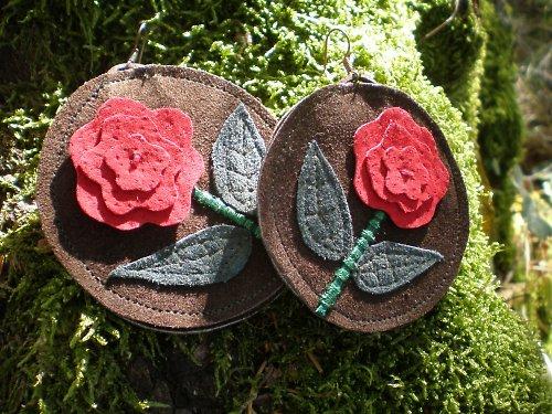 Rozkvetly růže - náušnice.SLEVA z 244,- na 199,-