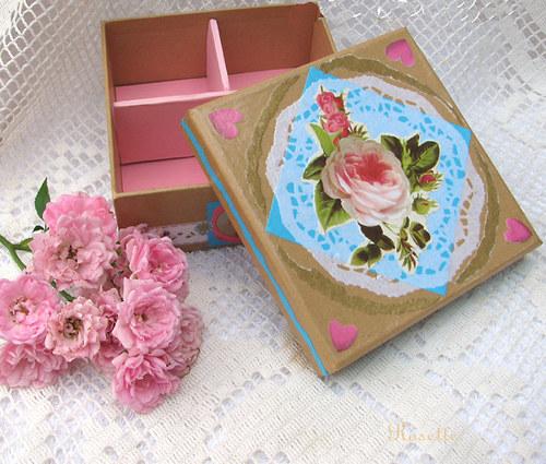 Růžičko růžová ... - krabička šperkovnička