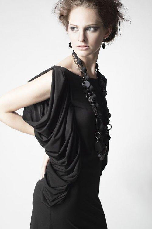 šaty - trilobit