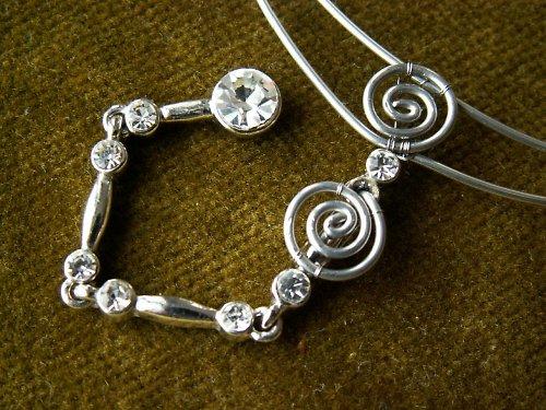 Třpytivý náhrdelník