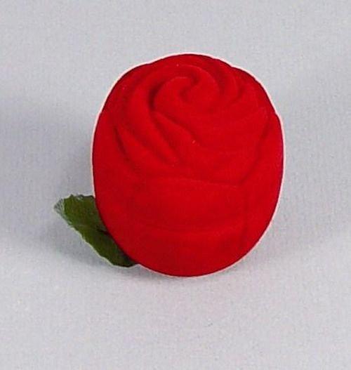 Sametová krabička na šperky - červená růže