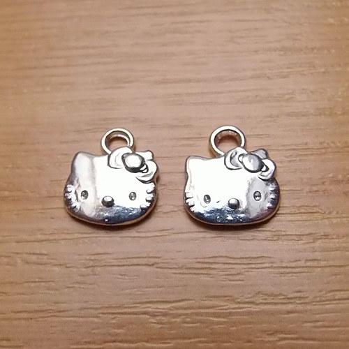 Hello Kitty -  stříbrná- 13mm x 11mm