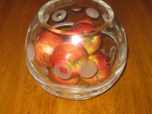Váza-koule-lehce v art deco stylu
