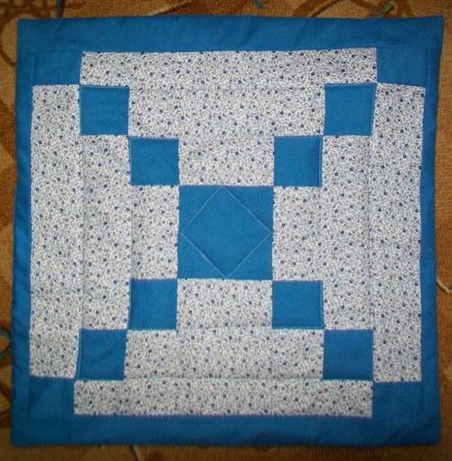 modrý polštář