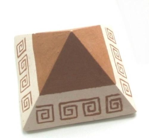 Keramická pyramida