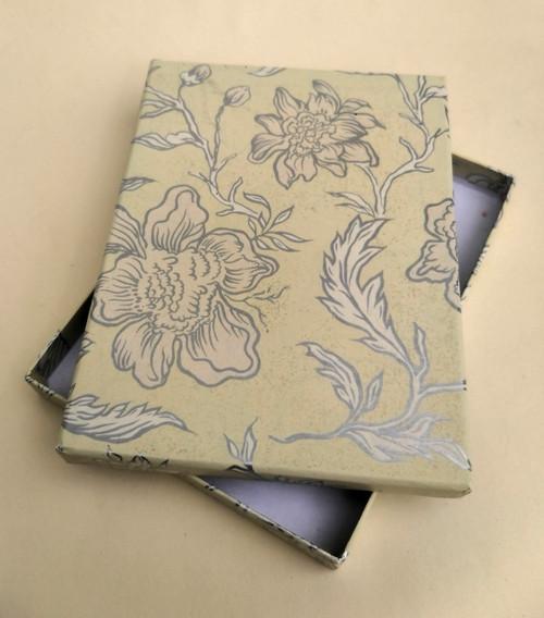 krabička HONZA - krémová s květy