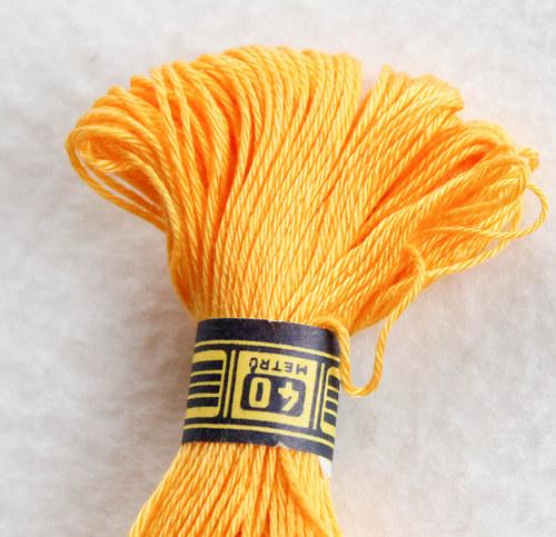 Vyšívací příze sytě žlutá