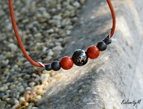 RedGlobe - náhrdelník z korálu a hematitu
