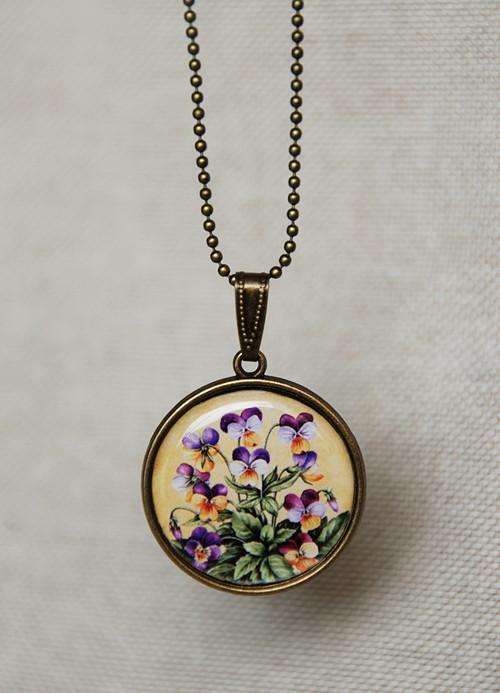 Fialky - náhrdelník
