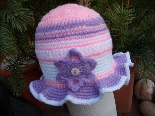 háčkovaný klobouček na jaro   --SLEVA--
