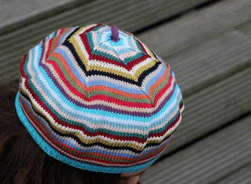 pletený baret pestrobarevný č. 451, sleva 30%