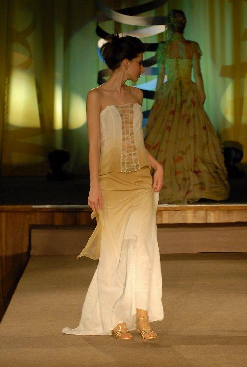 šaty bílo- béžové