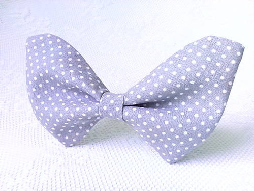 Light grey bow tie with white dots