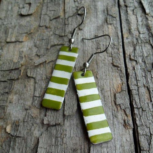 Zelenobílé proužky