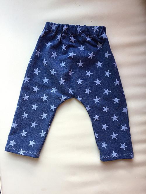 Modré tepláčky s hvězdičkami