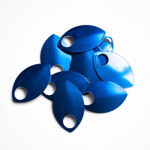 Šupiny velké modré