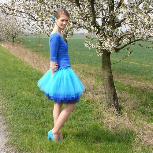 Tyrkysovo-modrá tylová sukně