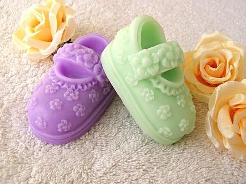 Mýdlové sandálky