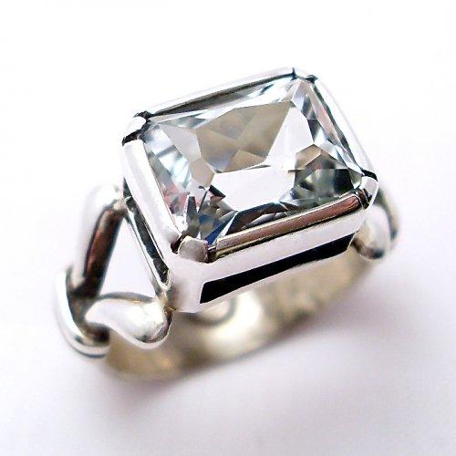 Prsten «Monogram» - stříbro 925, bílý topaz