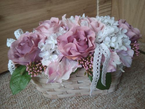 Romantický růžový košík