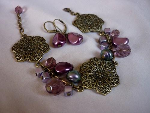 Filigránová fialová krása...
