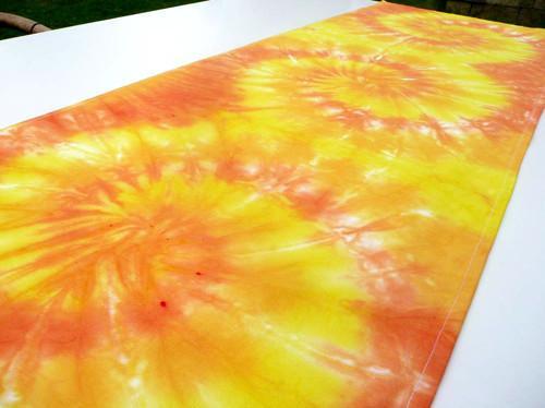 Ubrus - běhoun, Zářivě žlutá batika