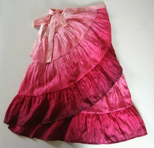 Malinová krátká - hedvábná sukně :-)