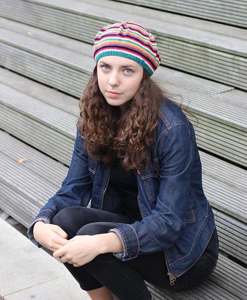 pletený baret pestrobarevný č. 442, sleva 30%