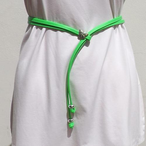 Šňůropásek neonově zelený s motýlem.Koženka
