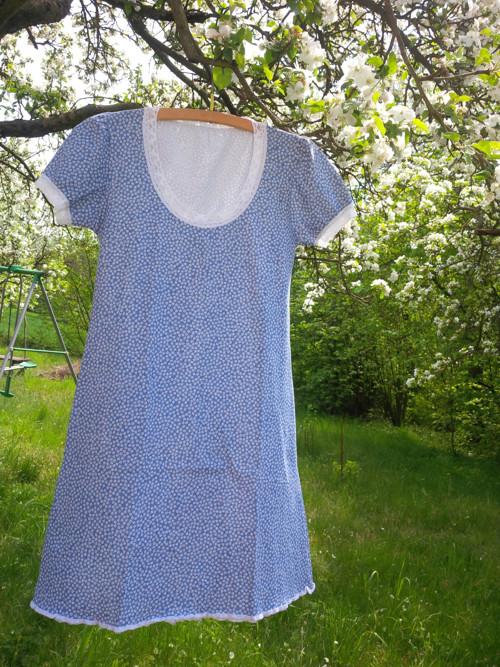 Noční košilka modrá s kytičkami vel. S