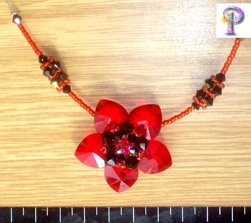Náhrdelník Červený květ