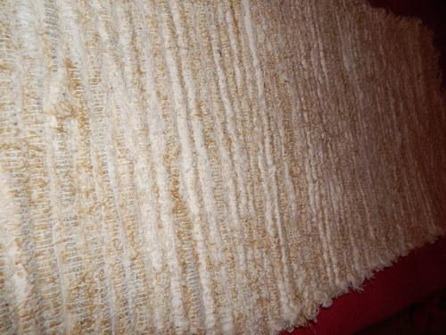 Ručně tkaný kobereček 70x150cm béžovozelný