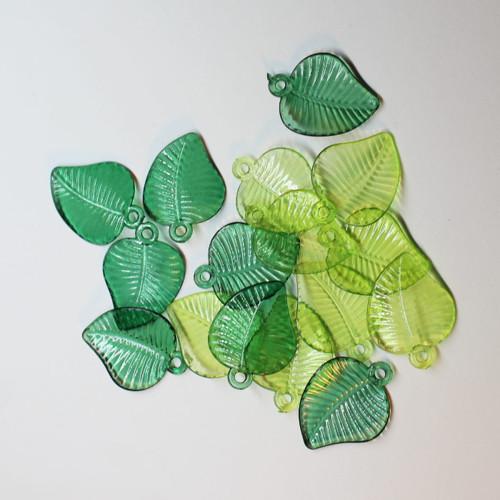 Plastový lístek list zelený 17x23 mm