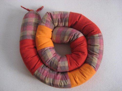 V zimě had, v létě polštář