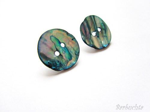 Knoflíkové perleťové náušnice