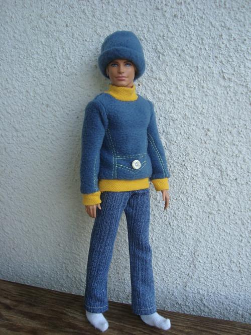 Mikina s čepicí a kalhoty pro Kena