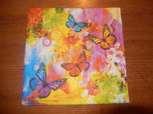 Ubrousek na decoupage - motýli na barevném