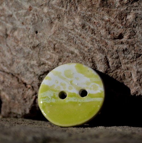 Kameninový knoflík Kolečko malé - Sasanky v trávě