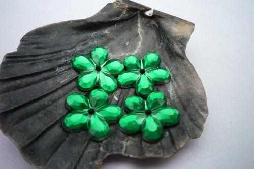 plastové kytičky 20 ks-  č.13  tm.zelená