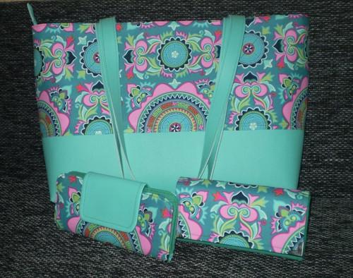 Dámská kabelka, peněženka a pouzdro na karty