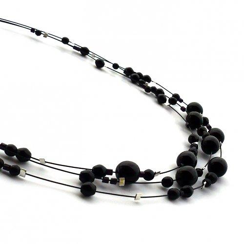 Černý třířadý náhrdelník