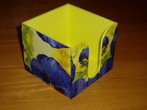 Zásobník na bločky Modré macešky
