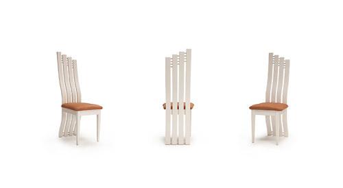 Židle bílá ergonomicky tvarovaná
