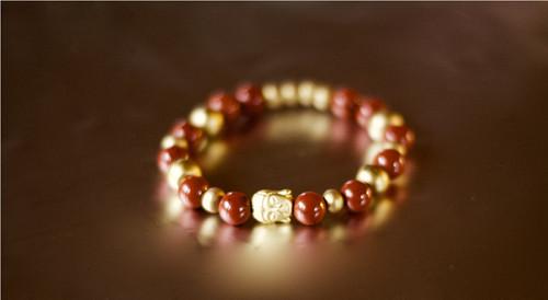 Náramek: UKOTVENÍ (buddha)